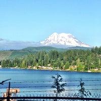 Foto tirada no(a) Mount Rainier National Park por Kim D. em 7/12/2013