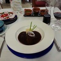 Foto scattata a Restaurante Nicos da Jose E. il 6/13/2013