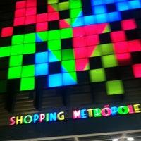 รูปภาพถ่ายที่ Shopping Metrópole โดย Paullyne L. เมื่อ 5/17/2013