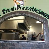 6/4/2014にTravis C.がZeko's Pizzeria & Grillで撮った写真