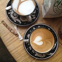 Foto tirada no(a) La Colombe Coffee Roasters por Kyungmoon K. em 2/3/2013