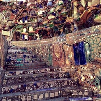 Foto tirada no(a) Philadelphia's Magic Gardens por Tricia T. em 4/6/2013