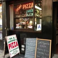 Das Foto wurde bei Sal & Carmine's Pizza von Karla am 7/21/2013 aufgenommen