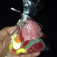 Foto diambil di Stieber's Sweet Shoppe oleh Ricardo J. S. pada 8/29/2014