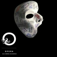 Photo prise au Opera Nightclub par Opera Nightclub le7/20/2013