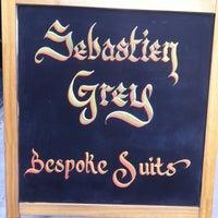 Foto tomada en Sebastien Grey Clothiers por Sonny B. el 2/22/2013