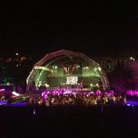 รูปภาพถ่ายที่ XLarge Club İstanbul โดย semih alper d. เมื่อ 6/21/2013