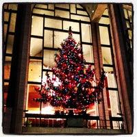 Снимок сделан в Lincoln Center for the Performing Arts пользователем Richard C. 12/16/2012