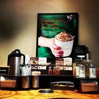 Photo prise au Starbucks Coffee par Gianluca S. le10/20/2012