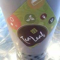 Снимок сделан в Tea Leaf Cafe пользователем Annette W. 12/16/2012