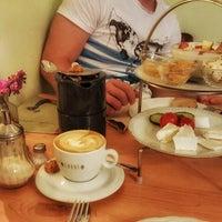 3/20/2017 tarihinde Tanya G.ziyaretçi tarafından Café Pfau'de çekilen fotoğraf