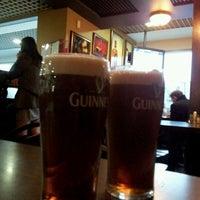Foto diambil di Shannon's Irish Bar oleh Marina P. pada 11/19/2012