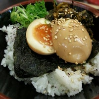 4/3/2013 tarihinde The Very Hungry Katerpillaziyaretçi tarafından Tenkomori Ramen House (てんこもりラーメン)'de çekilen fotoğraf