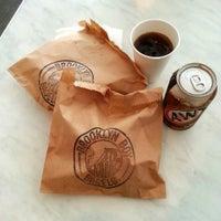 5/2/2013에 The Very Hungry Katerpilla님이 Brooklyn Boy Bagels에서 찍은 사진