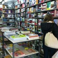 1/11/2013에 Ben A.님이 Librería española Dykler에서 찍은 사진