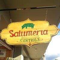 Foto tirada no(a) Salumeria Central por Bya B. em 6/8/2013