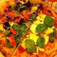 Foto scattata a La Gatta Mangiona da Via Dei Gourmet il 5/19/2013