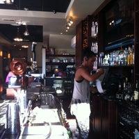 Das Foto wurde bei Liquid Room Restaurant & Bar von Nicole H. am 7/25/2014 aufgenommen