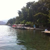 10/7/2012 tarihinde Semraziyaretçi tarafından Palace Beach Club'de çekilen fotoğraf