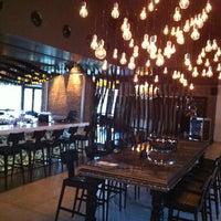 Foto diambil di No4 Restaurant • Bar • Lounge oleh Taner O. pada 2/20/2013