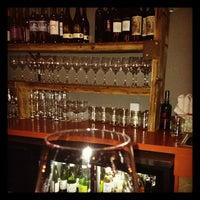 Foto scattata a Kaia Wine Bar da Laura D. il 11/29/2012