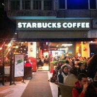 Das Foto wurde bei Starbucks von Ertugrul M. am 12/26/2012 aufgenommen