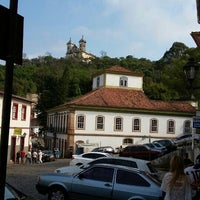 Das Foto wurde bei Centro Histórico de Ouro Preto von Vicente C. am 9/5/2015 aufgenommen