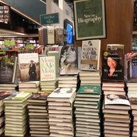 Foto diambil di Barnes & Noble oleh California pada 5/24/2013