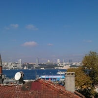 Снимок сделан в Keyif İstanbul пользователем Esra Ş. 10/7/2012