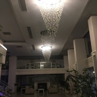 Foto diambil di Çimenoğlu Otel oleh Abdullah B. pada 6/11/2019