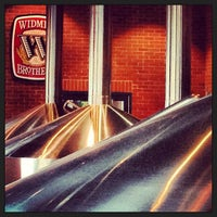 Foto scattata a Widmer Brothers Brewing Company da April Y. il 3/16/2013