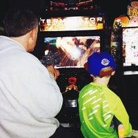 Foto scattata a Dave & Buster's da Ryan K. il 12/21/2013