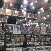 12/20/2012 tarihinde Bentonziyaretçi tarafından Twist & Shout Records'de çekilen fotoğraf