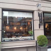 Foto tirada no(a) The Café Grind por Frankie A. em 9/29/2012
