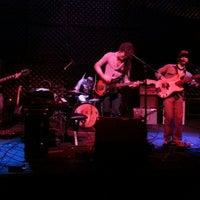 Foto tirada no(a) Triple Rock Social Club por Wes L. em 10/12/2012