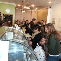 3/23/2013 tarihinde Kevin R.ziyaretçi tarafından Peregrine Espresso'de çekilen fotoğraf
