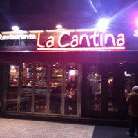 Foto diambil di La Cantina oleh Luis M. pada 4/27/2013