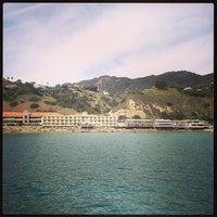 Photo prise au Malibu Beach Inn par Adam R. le3/2/2013