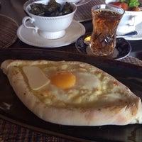 Снимок сделан в Tiflis Georgian Restaurant пользователем Olga M. 11/14/2014