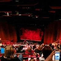Photo prise au San Diego Civic Theatre par Cheryl K. le11/22/2012