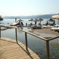 Das Foto wurde bei Çınar Plajı von Sezin A. am 8/18/2013 aufgenommen