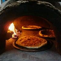 Das Foto wurde bei Pizzaria La Carmelita von Kariane P. am 11/18/2012 aufgenommen