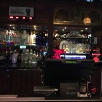 Foto scattata a O'Shea's Pub da Robin B. il 4/26/2018