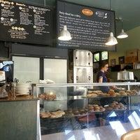 5/7/2013 tarihinde Ashanti C.ziyaretçi tarafından Mighty-O Donuts'de çekilen fotoğraf