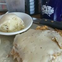 Das Foto wurde bei Our Place Restaurant von Michelle R. am 1/1/2017 aufgenommen