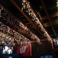 รูปภาพถ่ายที่ Lottie's Pub โดย Marizza R. เมื่อ 7/27/2013
