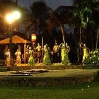 10/27/2012 tarihinde Tony D.ziyaretçi tarafından Paradise Cove Luau'de çekilen fotoğraf