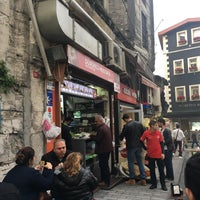 รูปภาพถ่ายที่ Dürümcü Mustafa โดย MYD®⭐️🌙 เมื่อ 11/15/2017