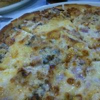 Foto tomada en Pizzeria El Ventanal por anassé el 10/19/2012