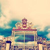 Foto tirada no(a) Palácio de Versalhes por Lorena P. em 5/15/2013